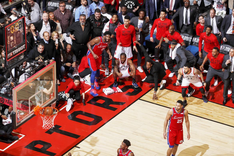 "Fot. Mark Blinch / NBAE, ""Kawhi Leonard's Game 7 Buzzer Beater"". 1. miejsce w kategorii Sport"