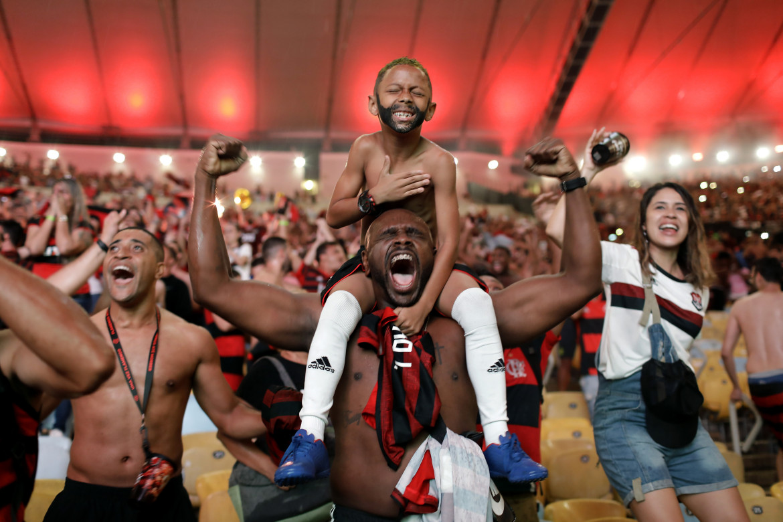 "Fot. Silvia Izquierdo / Associated Press, ""Cheering the Goal"". 2. miejsce w kategorii Sport"