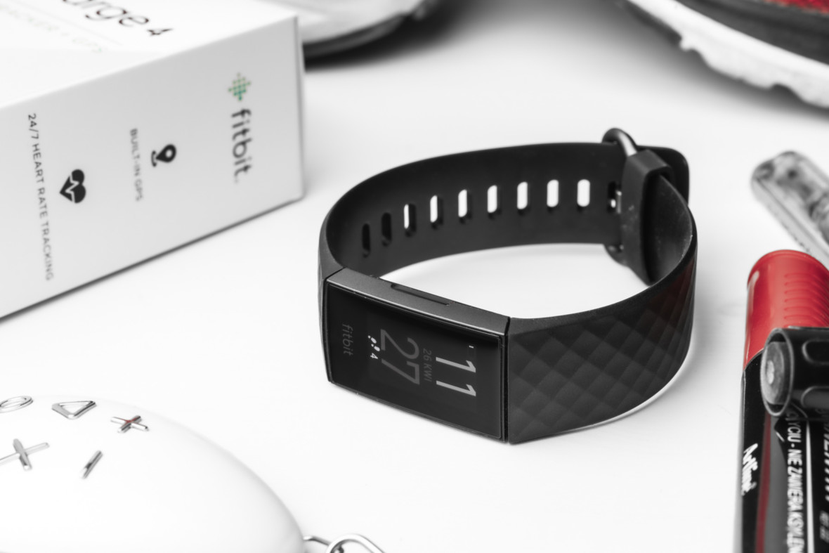 Opaska prawie kompletna. Fitbit Charge 4 – recenzja
