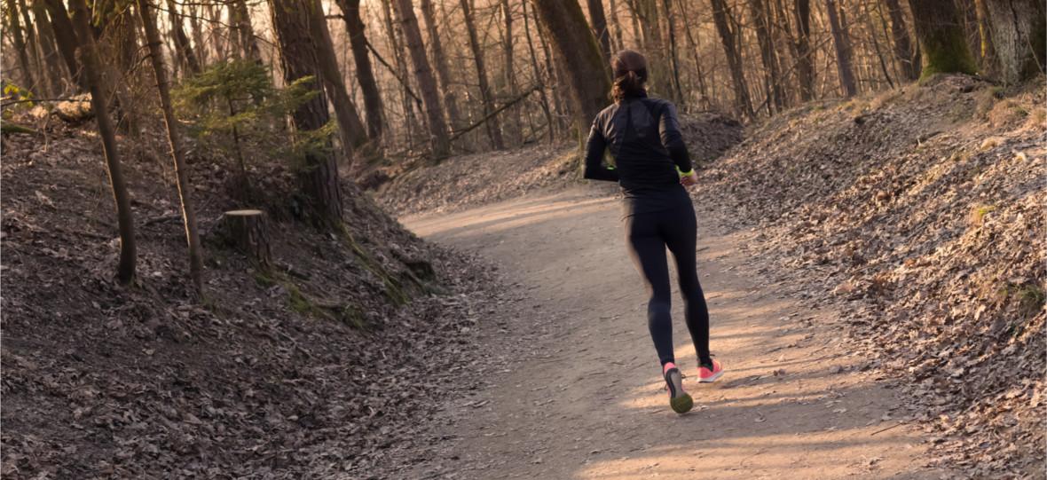 Znów można wychodzićdo lasu. Te aplikacje sprawdzą się podczas spacerów i biegania