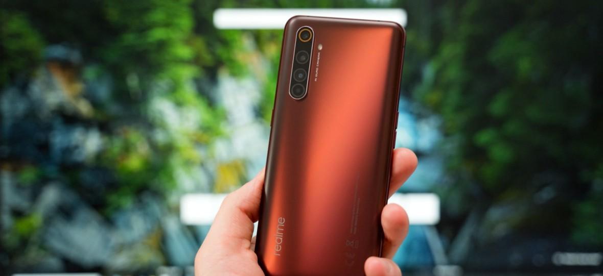 Podzespoły godne marki premium w telefonie tańszym niż Xiaomi Mi 10. Realme X50 Pro 5G – pierwsze wrażenia