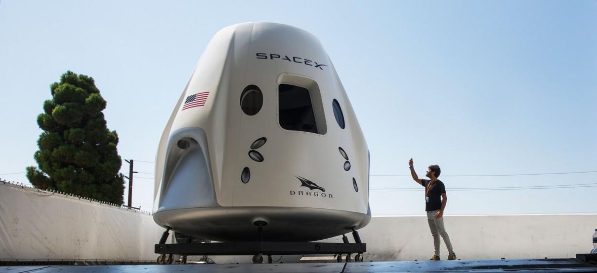 SpaceX musi wysłać parę astronautów na orbitę i bezpiecznie dostarczyć ich z powrotem na Ziemię