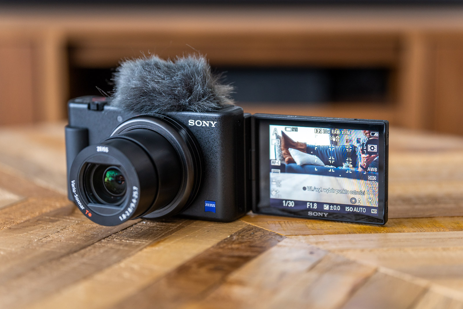 sony zv-1 - review, test, opinion