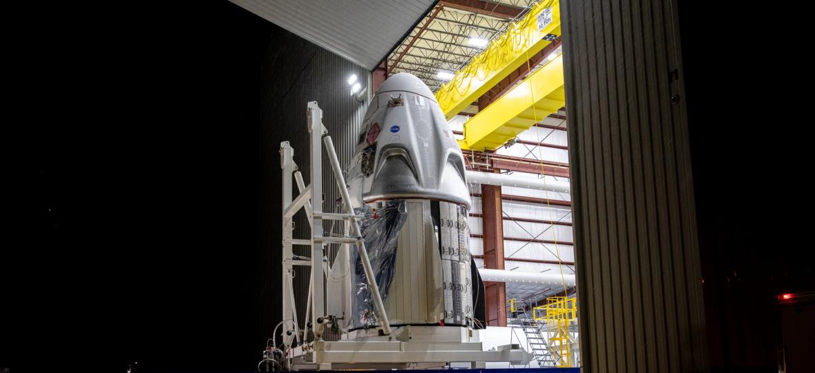 Zdjęcie dnia: Falcon 9 gotowy do pierwszego lotu załogowego na orbitę