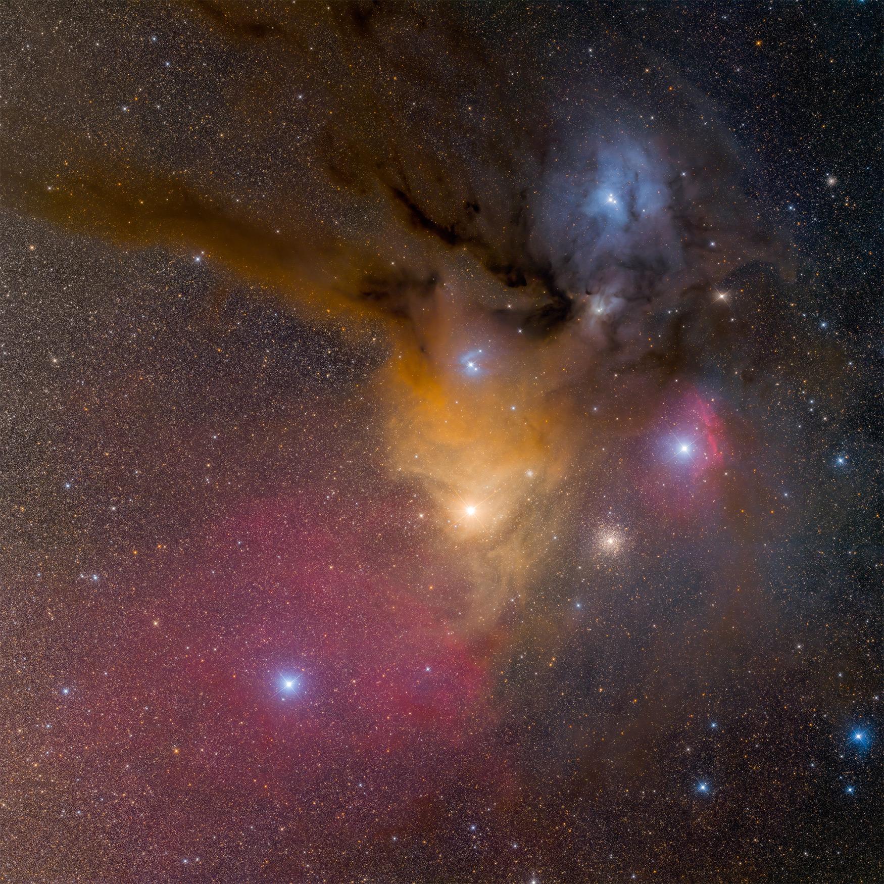 Kompleks mgławic w Skorpionie. Jeden z najbarwniejszych i najbardziej zróżnicowanych fragmentów nocnego nieba. Zdjęcie z Namibii, 6 godzin naświetlania. Fot. Bartosz Wojczyński