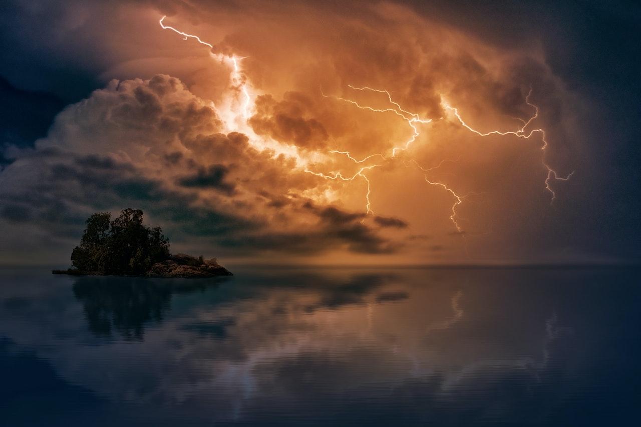Nadchodzą burze, da się je przewidzieć. Oto projekt AntiStorm