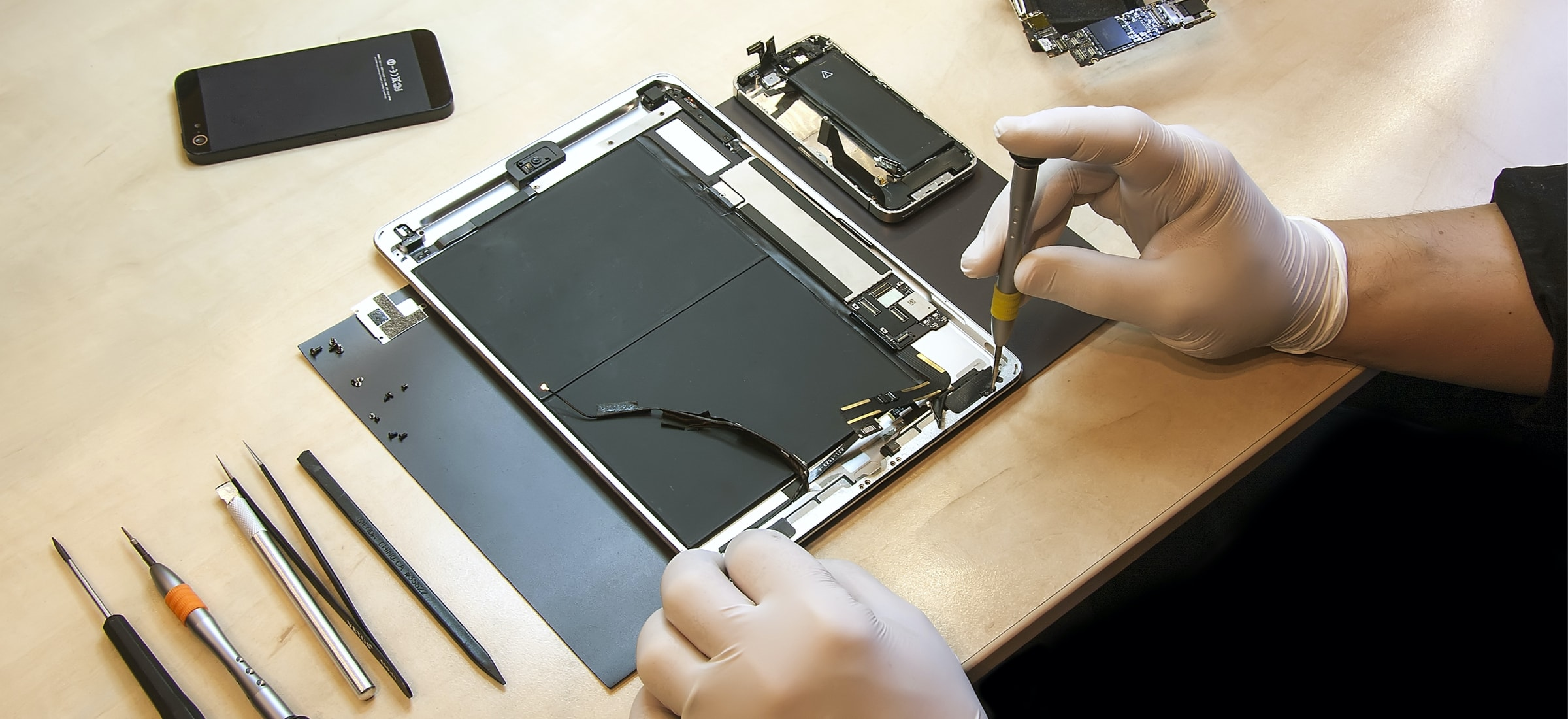 Apple said my iPad is disposable. The Polish service dealt with the matter quickly and cheaply