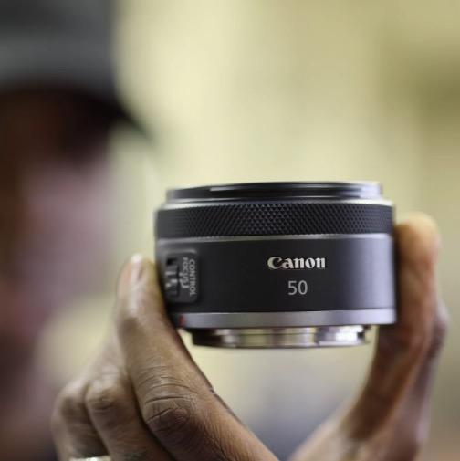 Новый 50 мм в предложении Canon знаменует собой прорыв. Наконец, фотография Canon может быть дешевой.