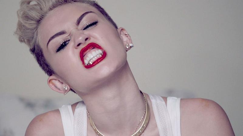 Poudawajmy na chwilę, że Miley Cyrus kogokolwiek obchodzi