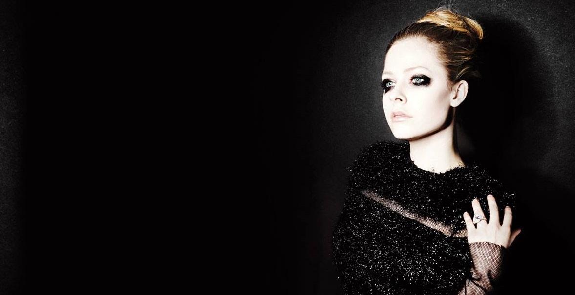 Avril Lavigne wciąż nie dorosła. Ale hity robi całkiem przyzwoite