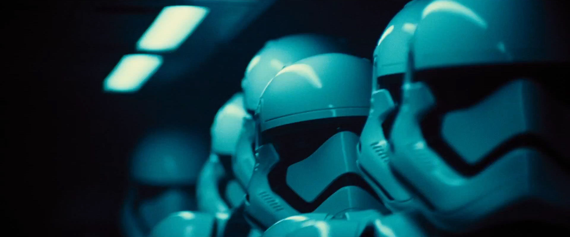 Nowy materiał z The Force Awakens to spełnienie marzeń fanów – szturmowcy walczący na…
