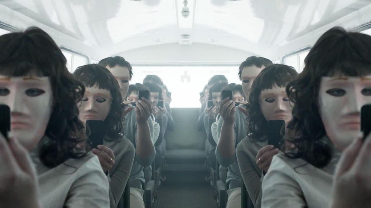"""Trzeci sezon """"Black Mirror"""" właśnie pojawił się w Netfliksie!"""