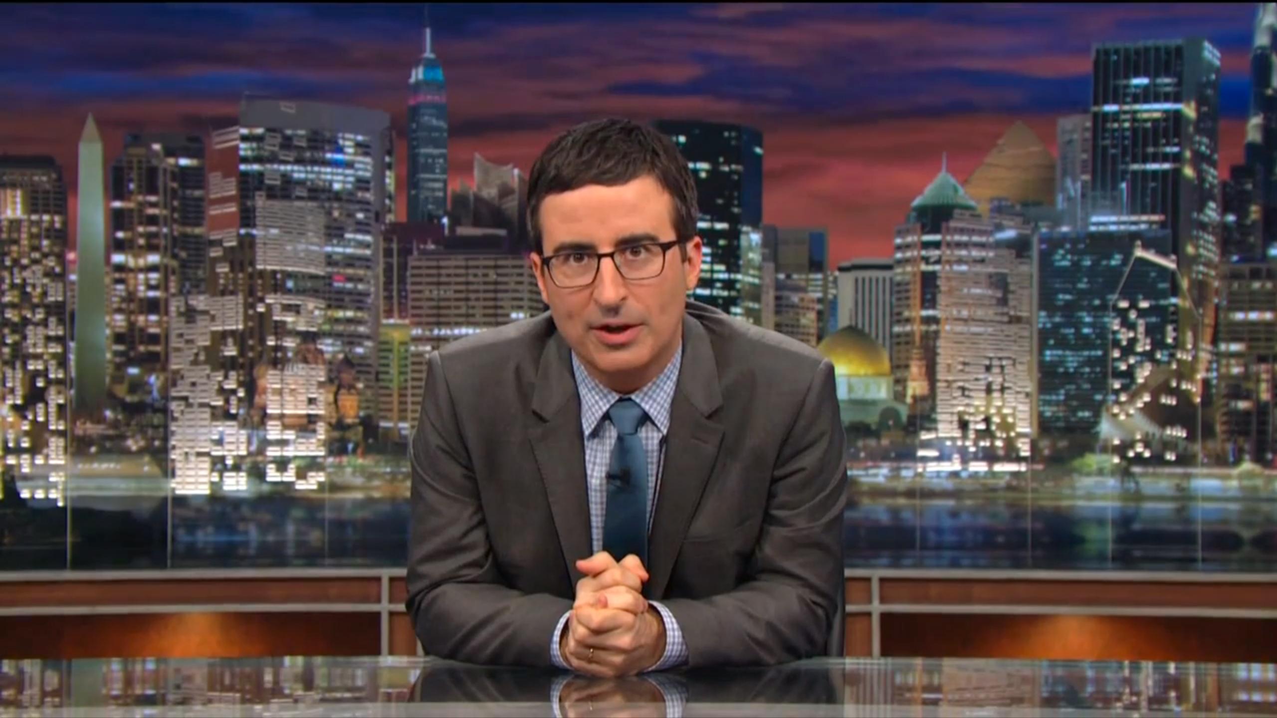 """Wraca """"Wieczór z Johnem Oliverem"""". 8 powodów, dla których warto oglądać ten program"""