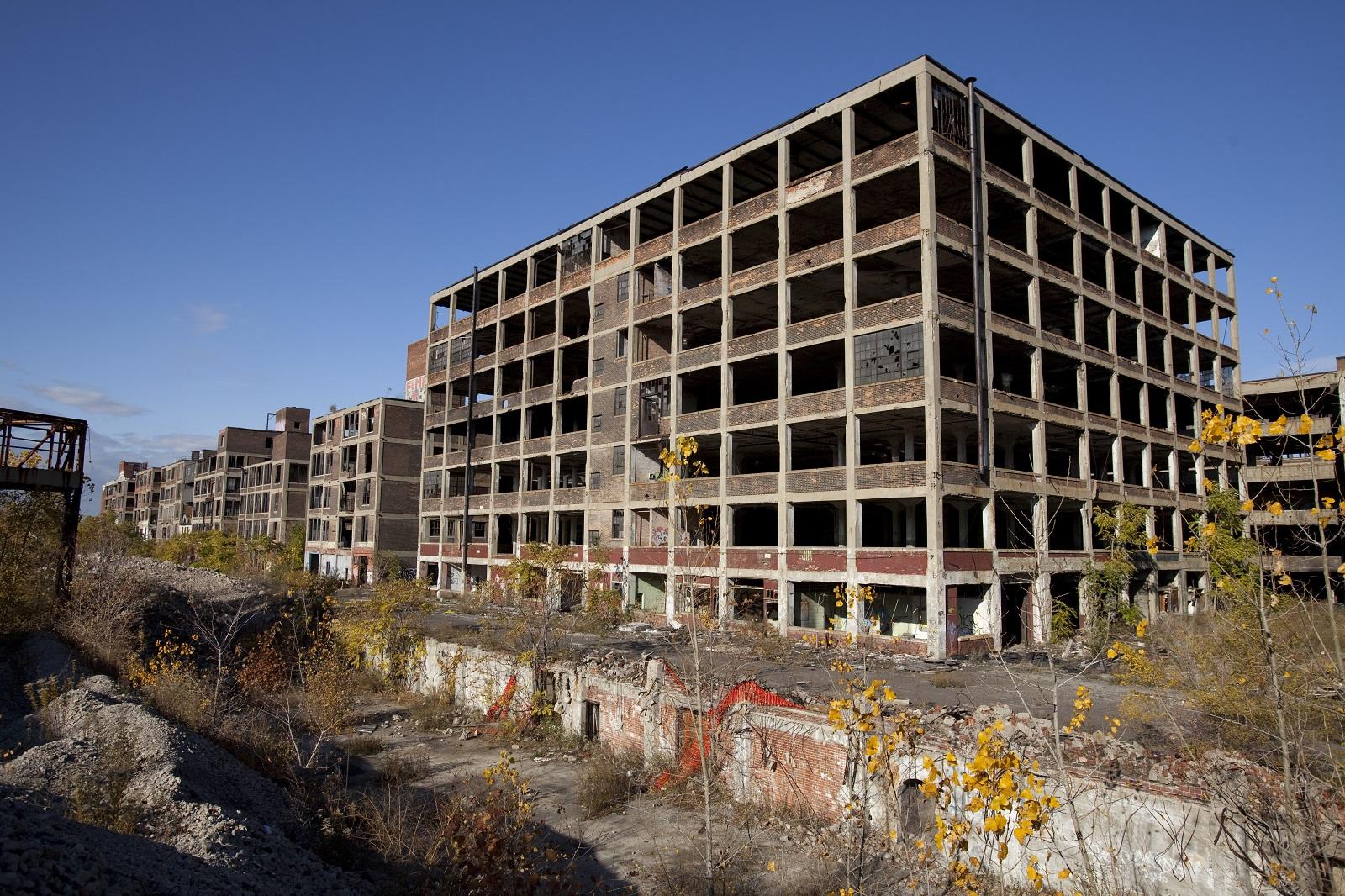 """Wstrząsająca historia upadku. """"Detroit. Sekcja zwłok Ameryki"""", Charlie LeDuff – recenzja sPlay"""