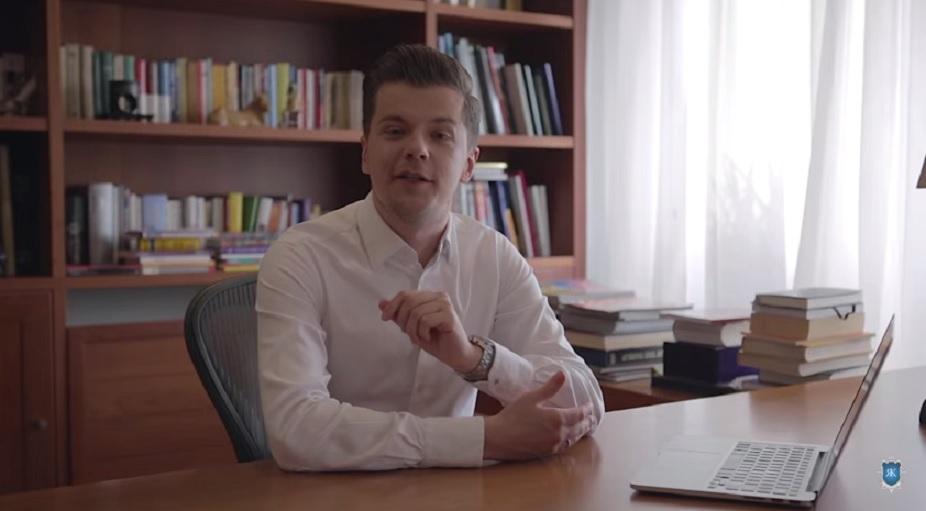 Radek Kotarski, twórca kanału Polimaty, napisał książkę. Premiera w październiku tego roku