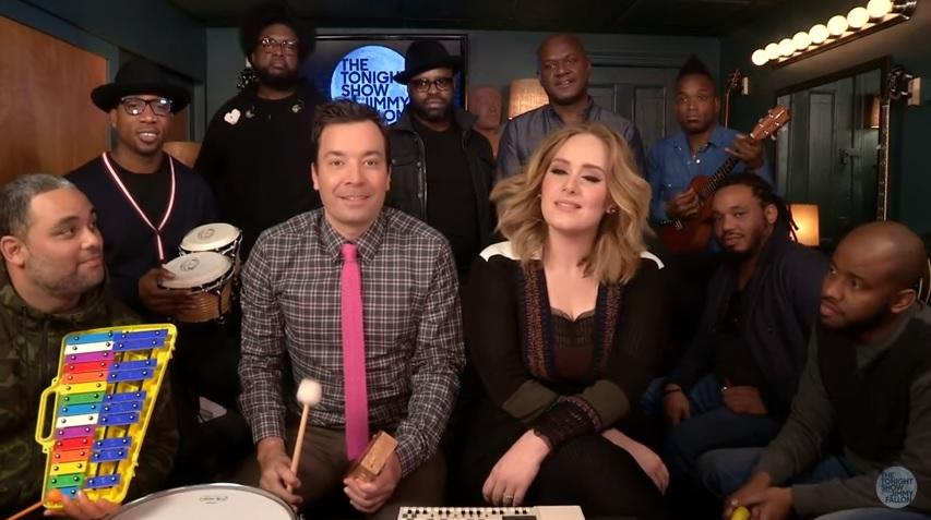"""Adele opanowała Internet. Jimmy Fallon też dał się wciągnąć. Zobacz świetny cover """"Hello"""""""