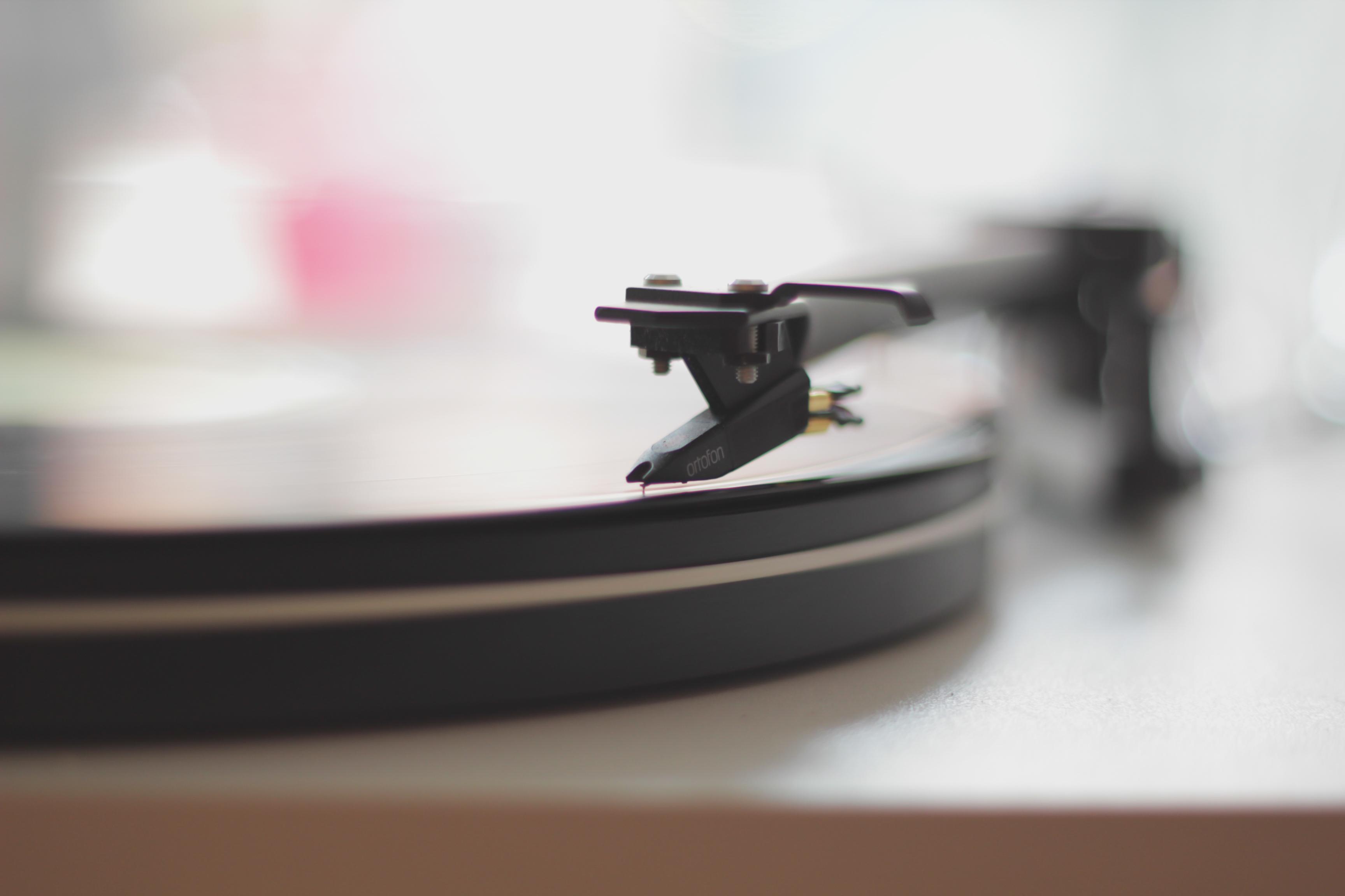 Wraca Kaliber 44. Posłuchaj 10 klasyków polskiego hip-hopu