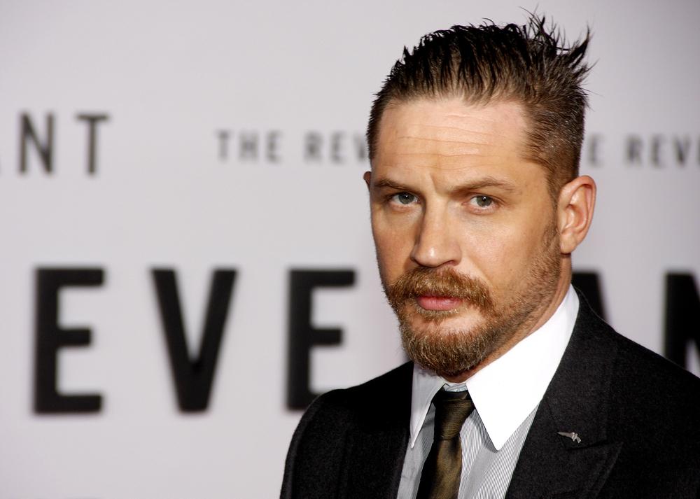 """To będzie prawdziwy hit! Tom Hardy w mrocznym zwiastunie serialu """"Taboo"""" od FX"""