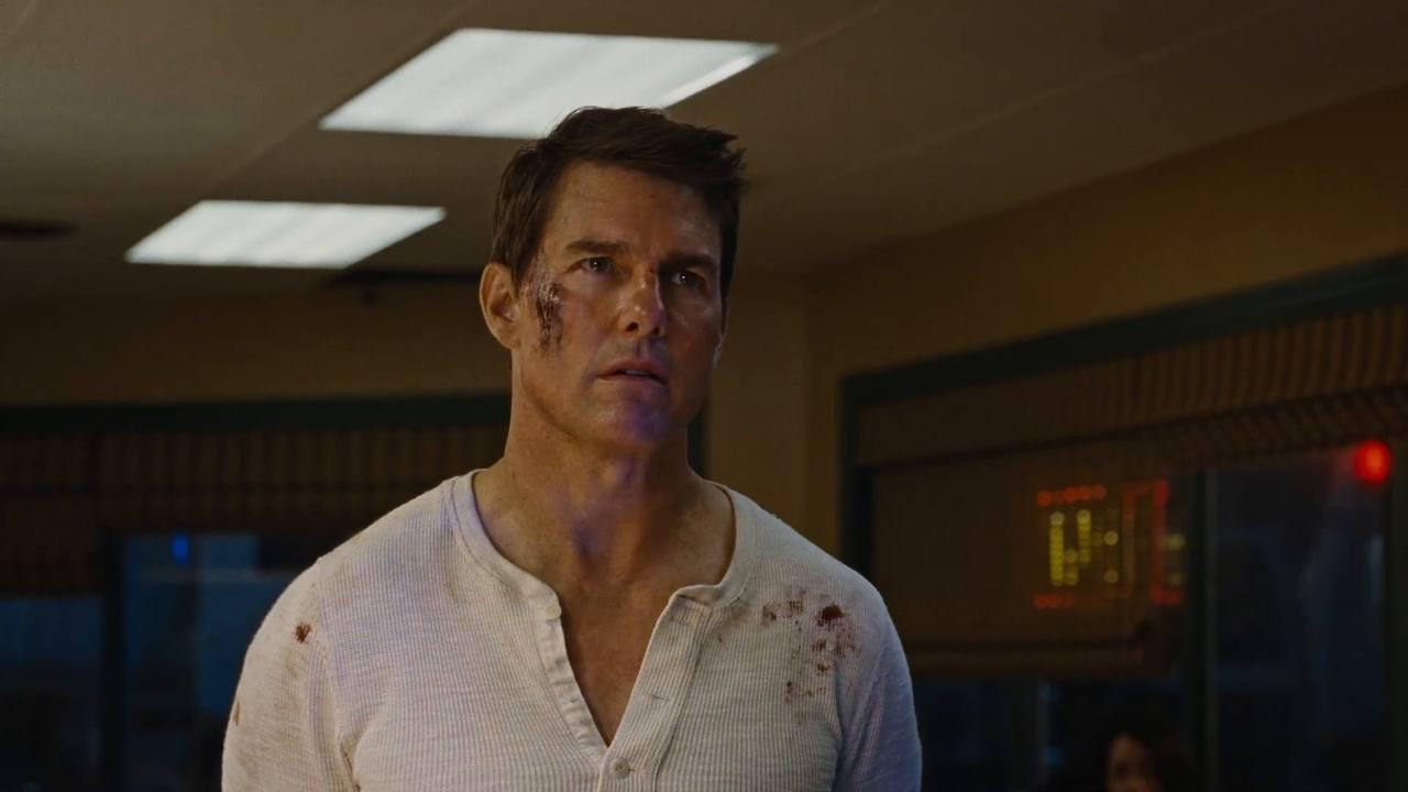 """Tom Cruise w końcu zagrał w niezłej komedii. """"Jack Reacher: Nigdy nie wracaj"""", recenzja sPlay"""