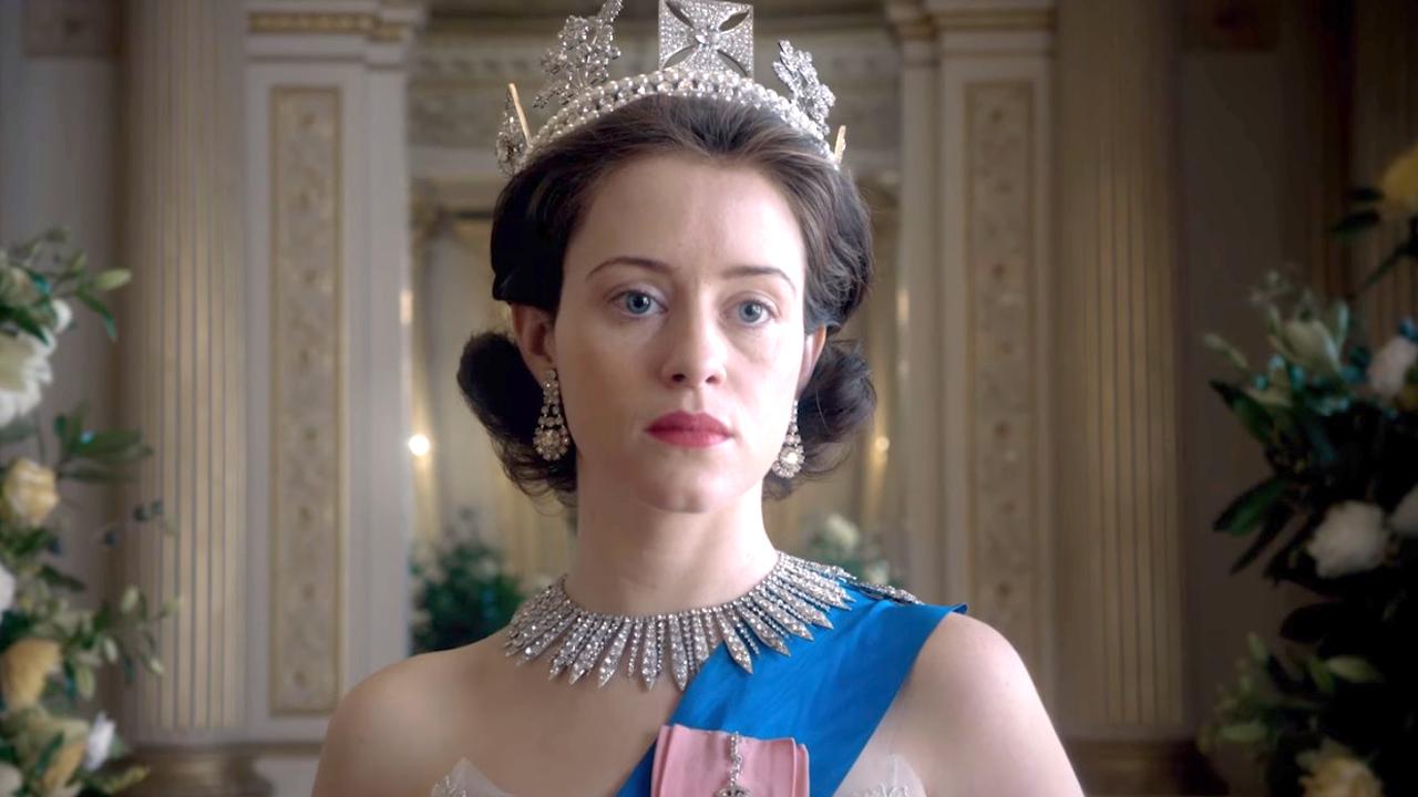 Drugi sezon The Crown portretuje królową Elżbietę i bezlitośnie ocenia monarchię – recenzja