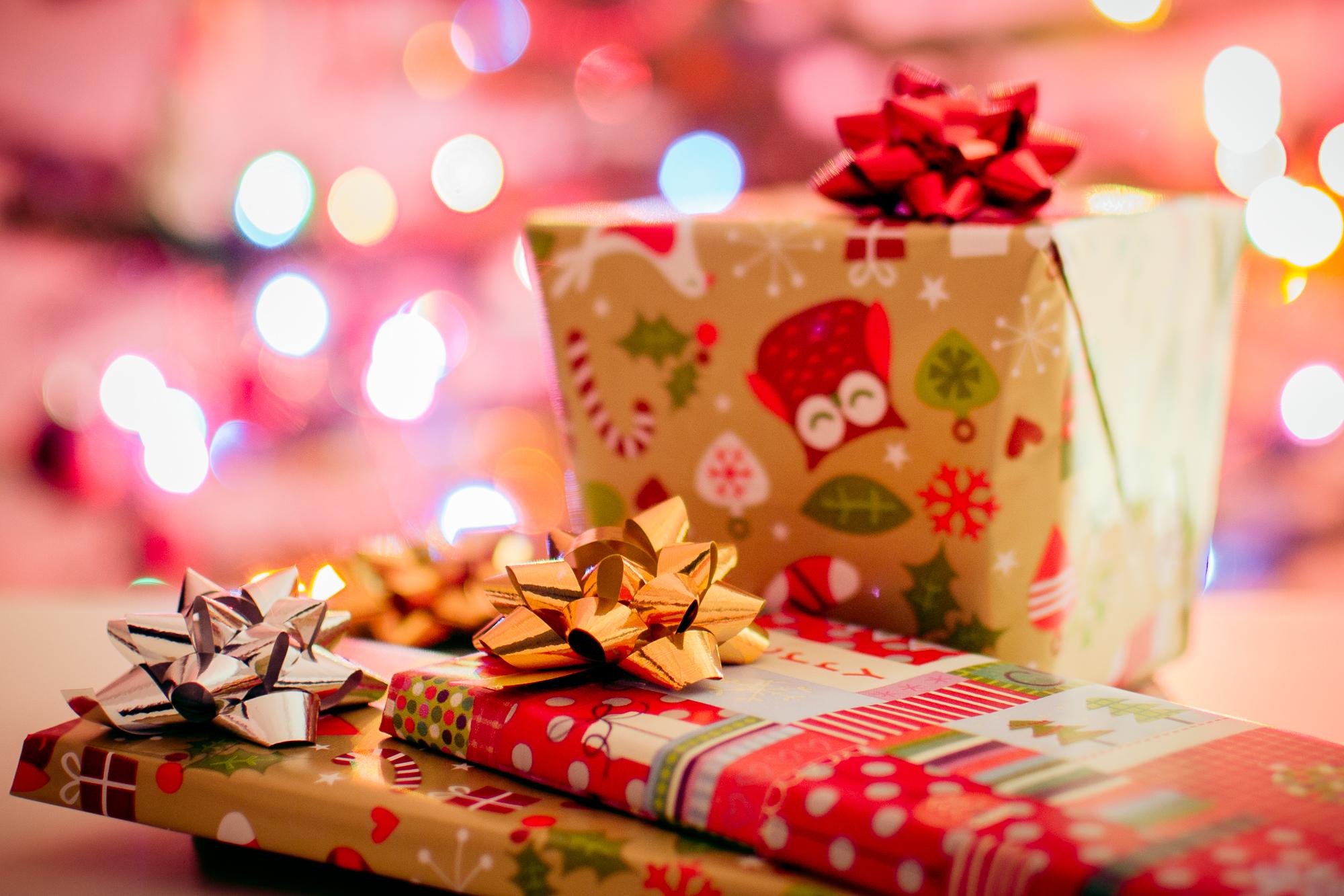TOP 9 książek na Święta. Co warto przeczytać i podarować bliskim?