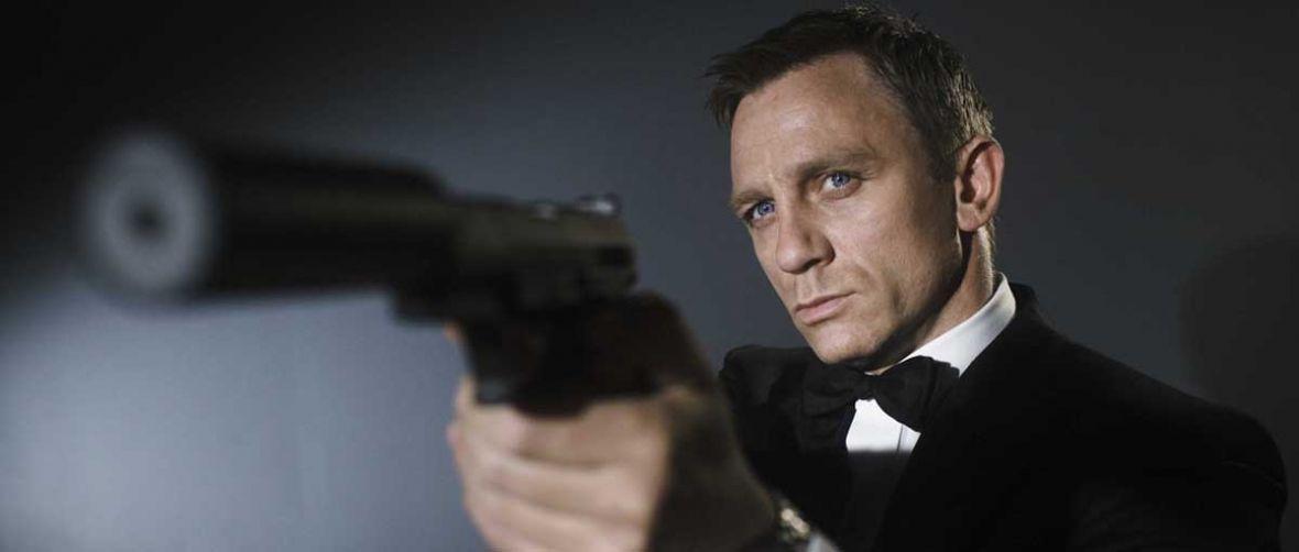 """Christopher Nolan chce """"wymyślić Bonda na nowo"""". Z Craigiem czy bez niego"""