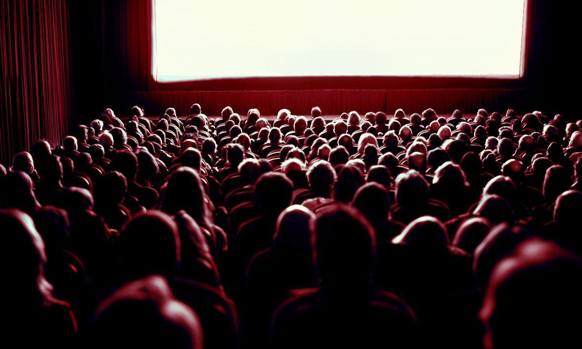 Okazuje się, że widzowie o wiele chętniej oglądają filmy w streamingu, jeśli były one pokazywane  także w kinach