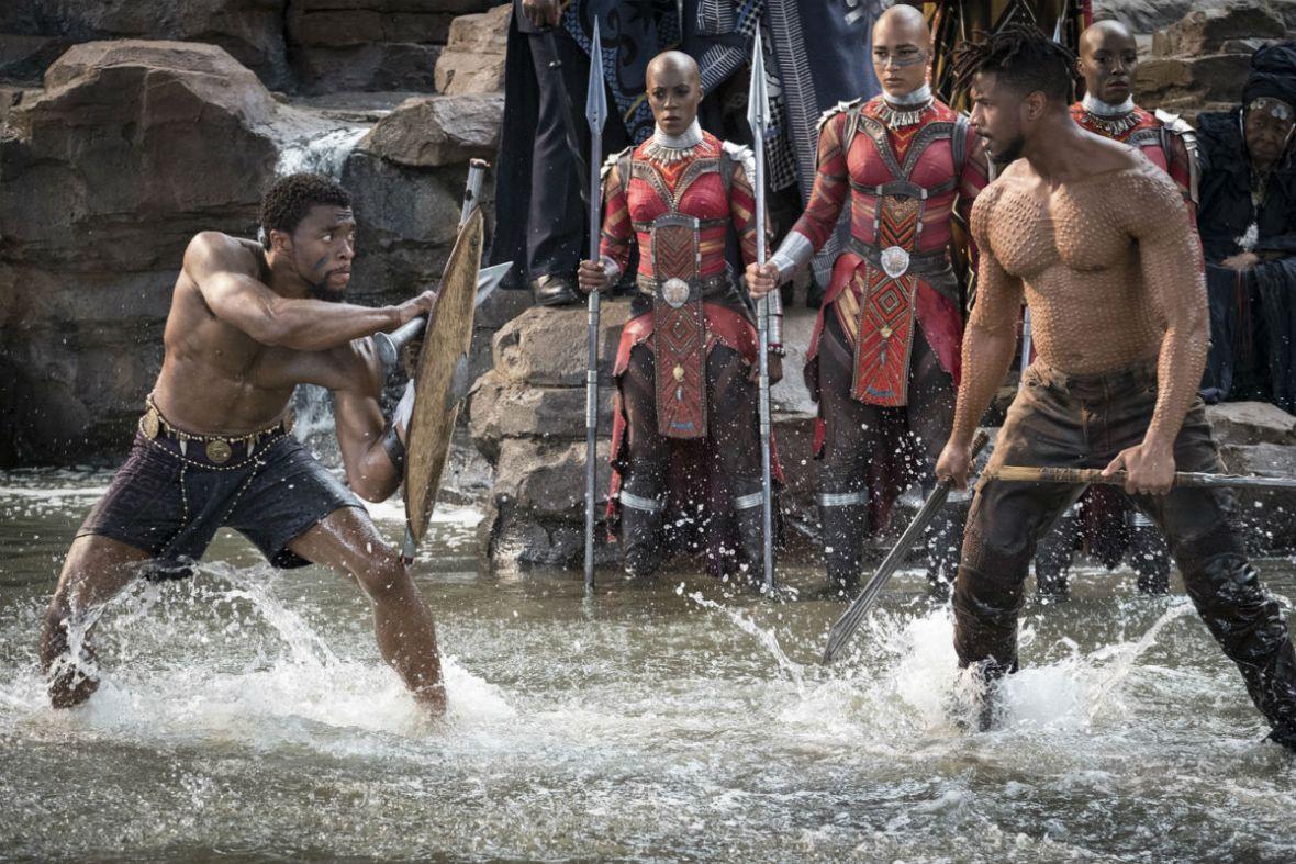 """Nowe zdjęcia z """"Black Panther"""" bardziej zachęcają do pójścia do kina niż niedawny trailer"""