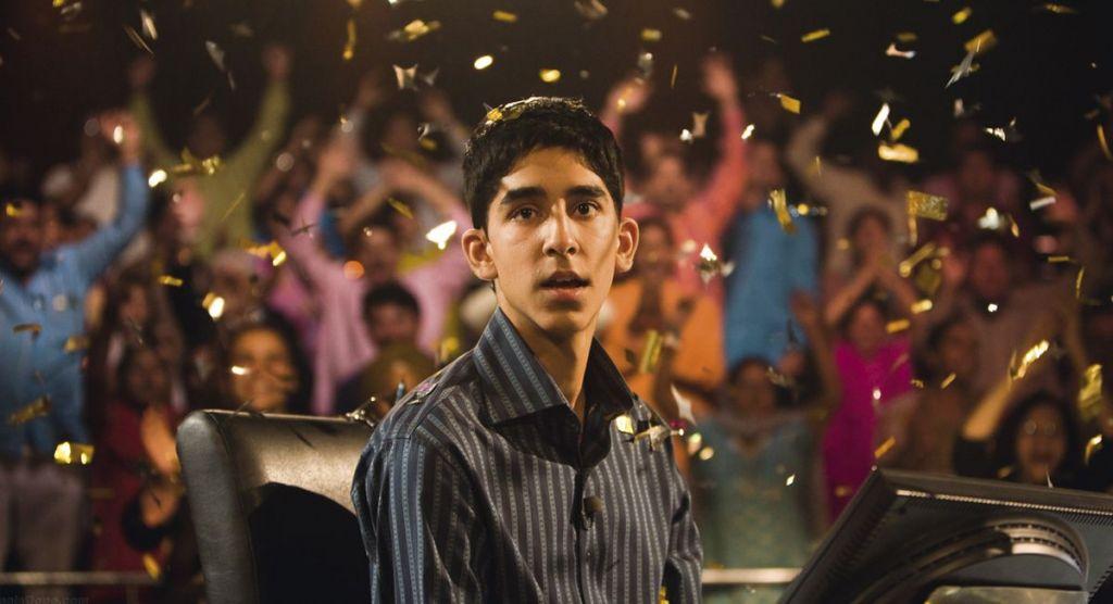 Dev Patel w filmie Slumdog. Milioner z ulicy