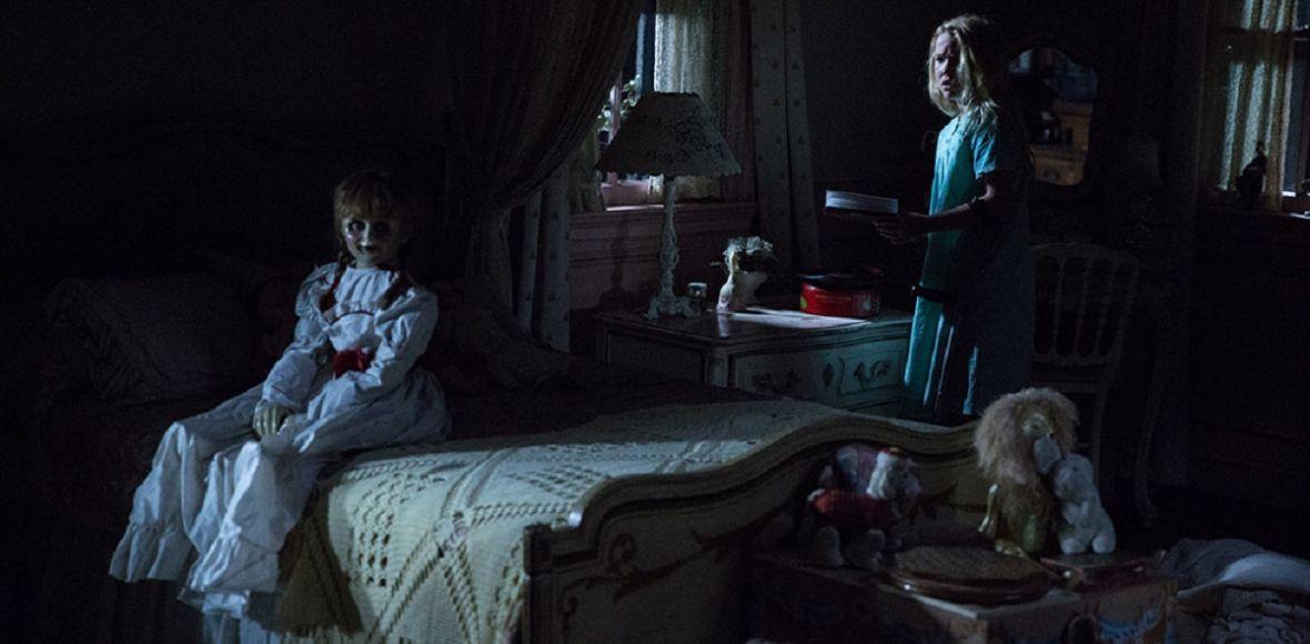 Laleczka potrafi przestraszyć, ale cały horror nieco trąci myszką. Annabelle: Narodziny zła – recenzja Spider's Web