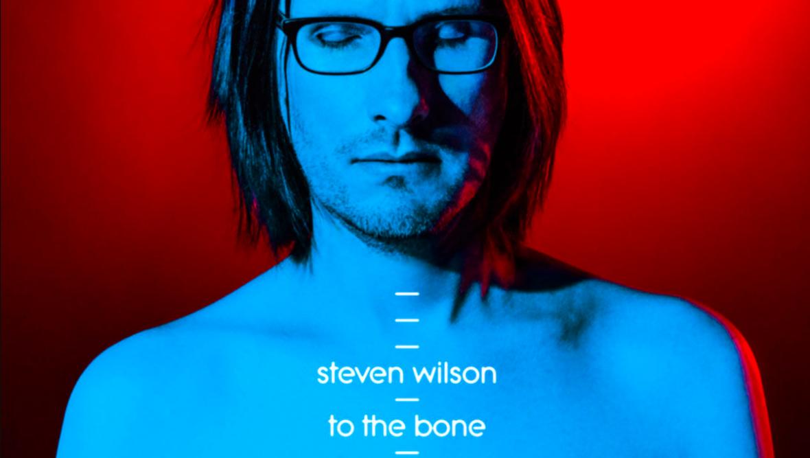 """Pop w wykonaniu Stevena Wilsona? """"To the Bone"""" to muzyczny hołd oddany wielkim artystom lat 80. i 90."""