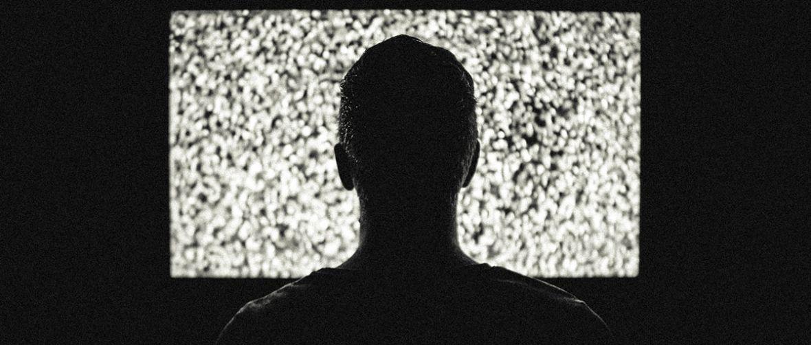 Coraz trudniej ogląda się klasyczną telewizję. I nie chodzi tu o jakość treści