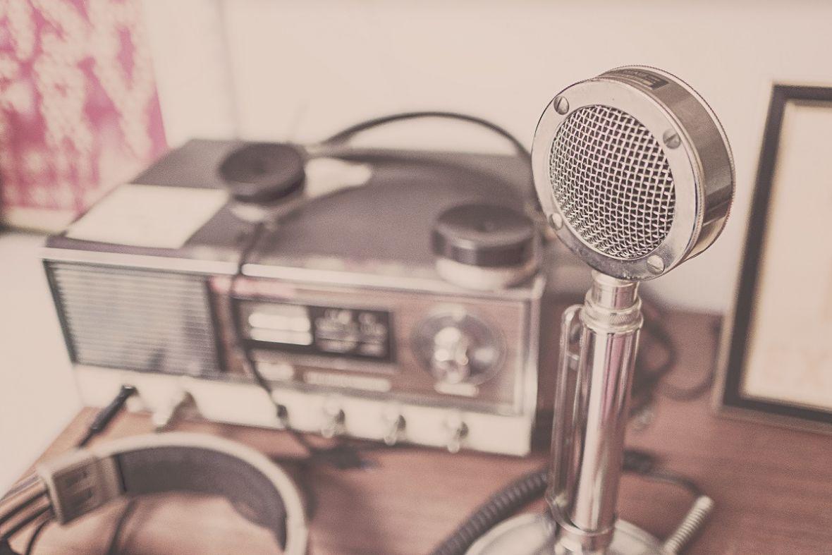 Nastrojcie odbiorniki. Już dziś Radio Katowice zabierze nas do przeszłości w audycji… bez komputerów i internetu