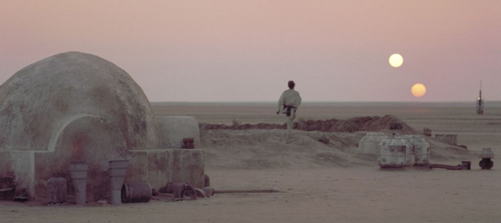 Tatooine twin suns Star Wars the last jedi easter egg