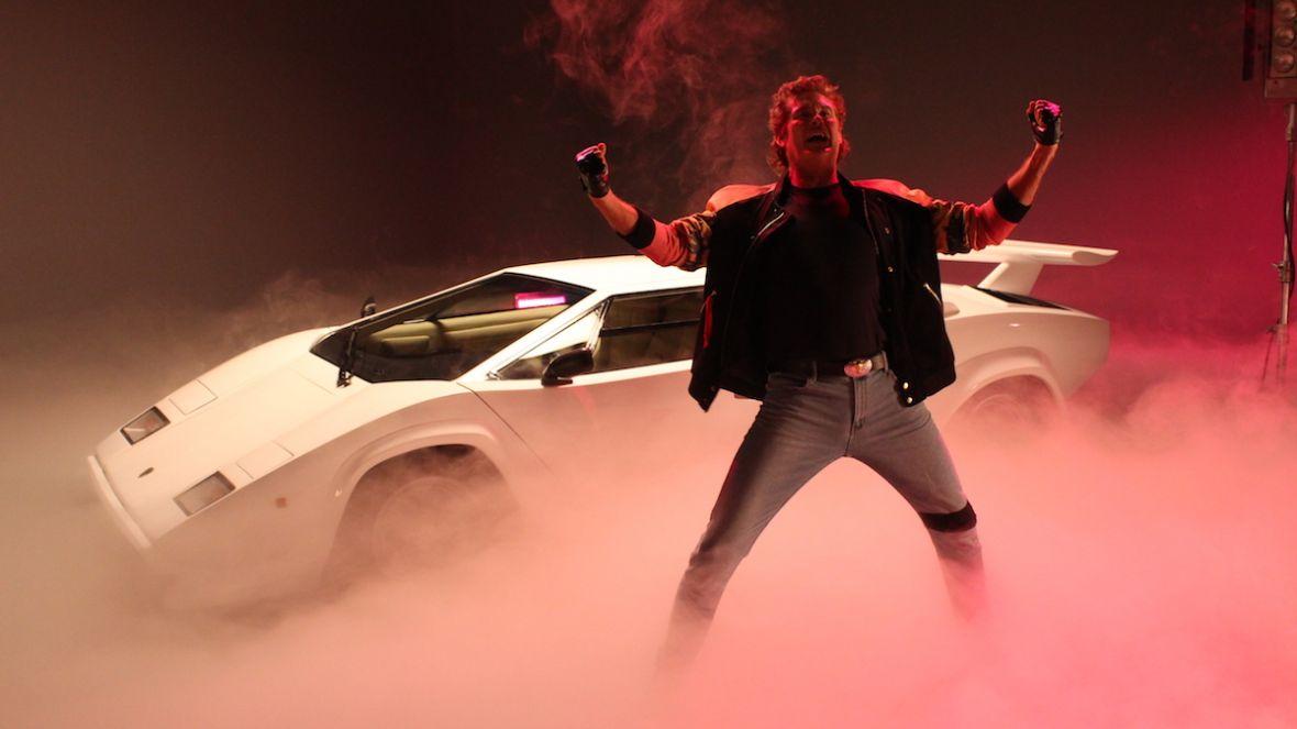 Kung Fury wraca w pełnometrażowej kontynuacji. Michael Fassbender na pokładzie