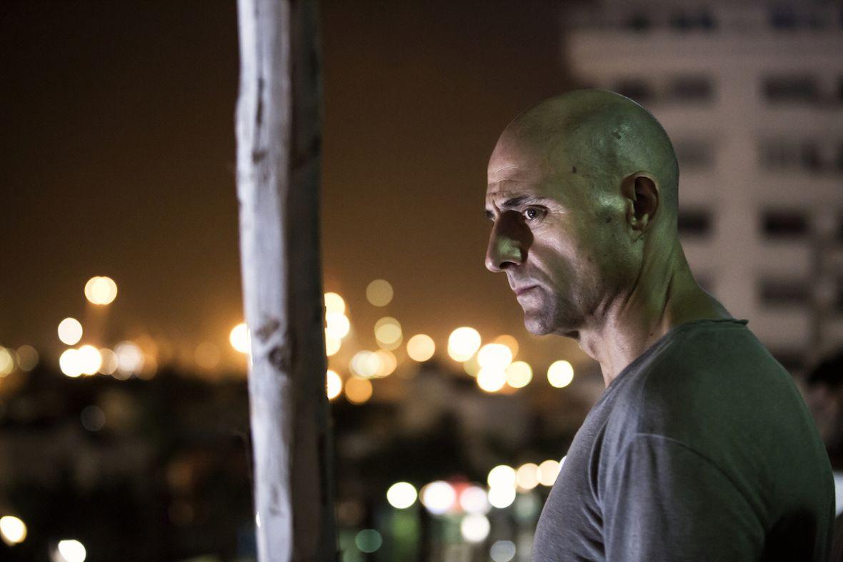Serial Deep State przypomniał mi, dlaczego lubię niezobowiązujące kino akcji – recenzja