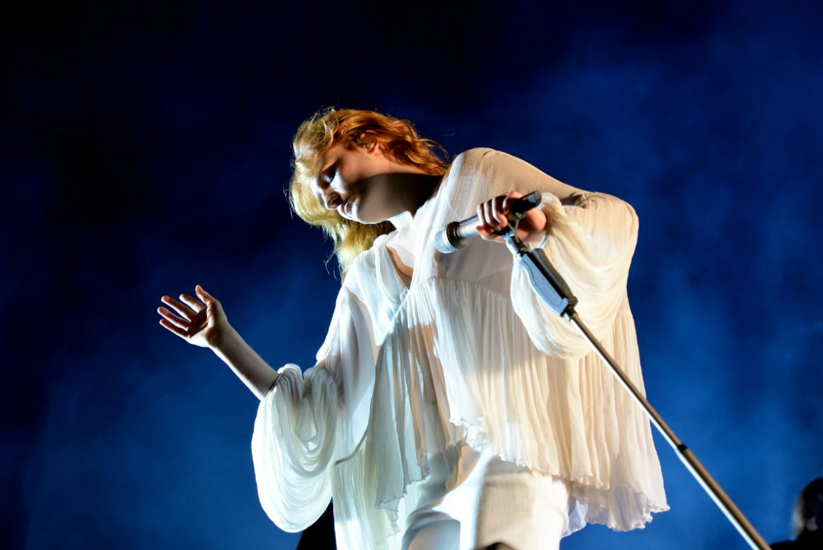 Nowy utwór Florence and the Machine. Grupa publikuje singiel Sky Full of Song