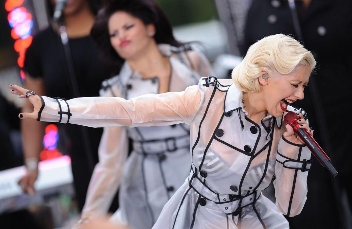 Starcie dwóch mocnych głosów. Christina Aguilera udostępnia nowy singiel Fall In Line
