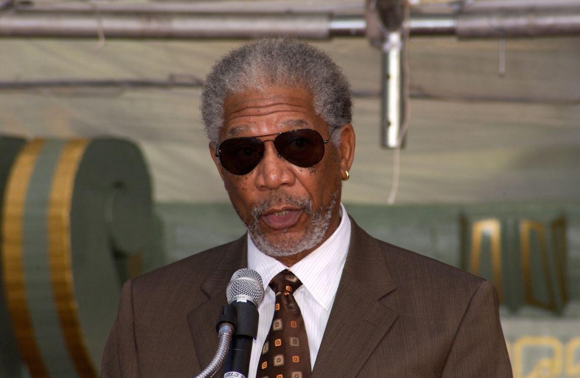 """Morgan Freeman oskarżony o wielokrotne molestowanie. Nie ma już """"świętości"""" w Hollywood?"""