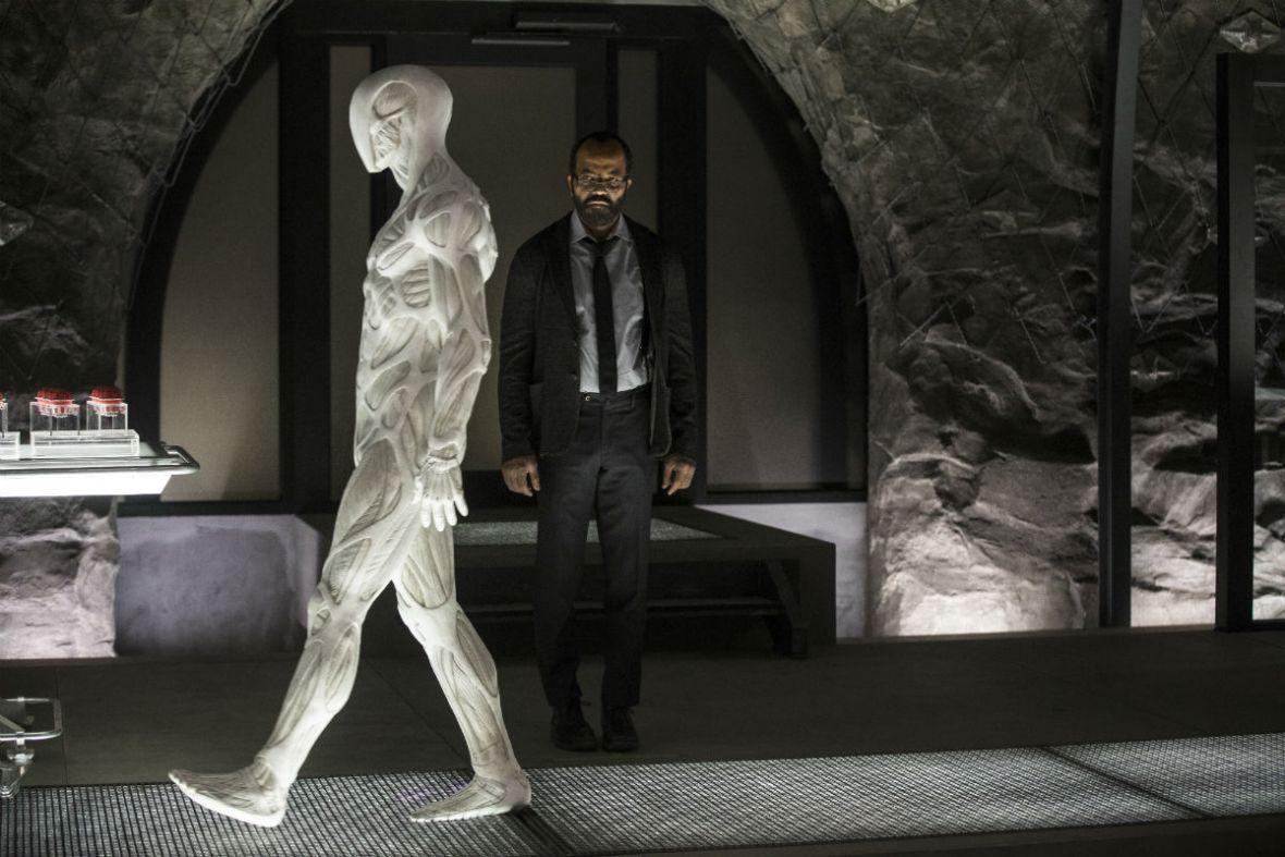 Czy zabicie hosta to zbrodnia? O Westworld i sztucznej inteligencji – rozmowa z dr Piotrem Bilskim