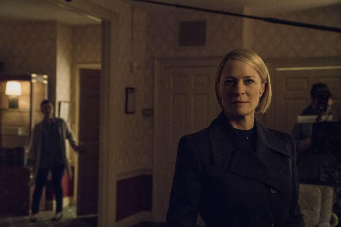 Claire Underwood zadomawia się w Gabinecie Owalnym. Zobacz zdjęcia z planu House of Cards