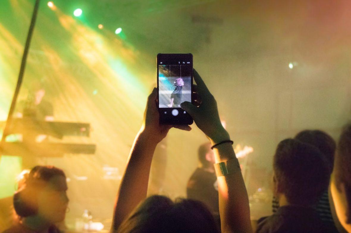 Myślisz, że jesteś za stary na festiwale? Idź na rapsy i Florence. Orange Warsaw Festival 2018 – relacja