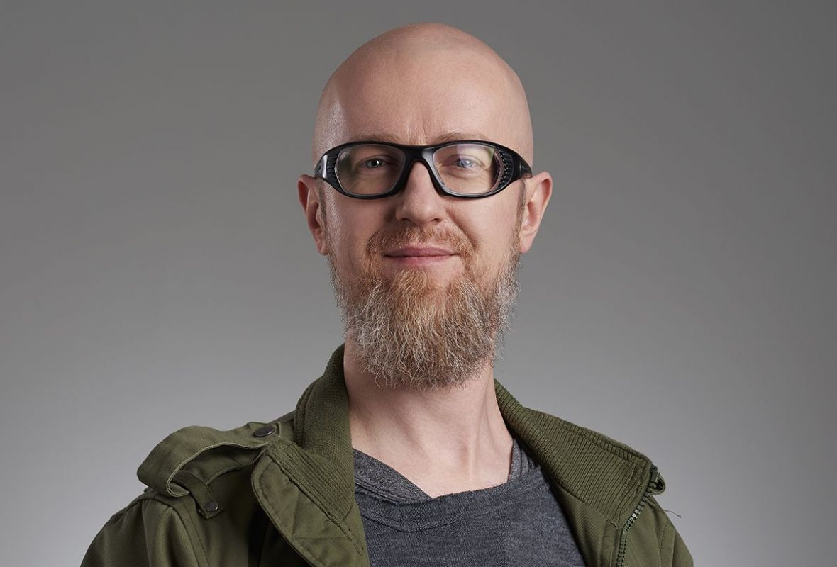"""""""Mniej inspiruję się w pracy motywami polskimi, a bardziej kinem akcji lat 80."""" – rozmawiamy z Tomaszem Bagińskim"""