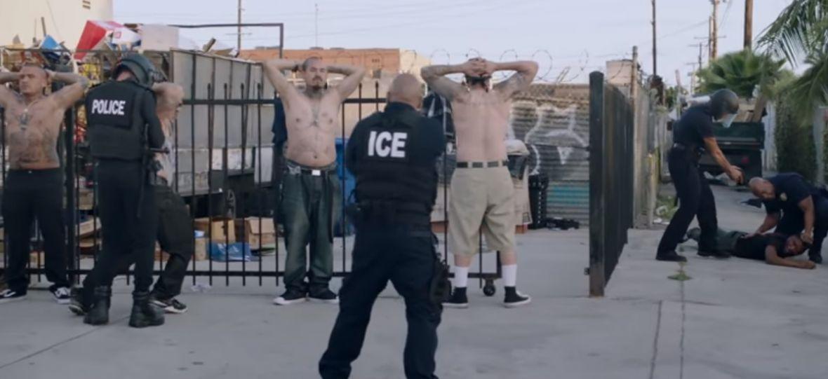 The Black Eyed Peas nie waha się pokazywać brutalności policji. Klip do utworu Get It