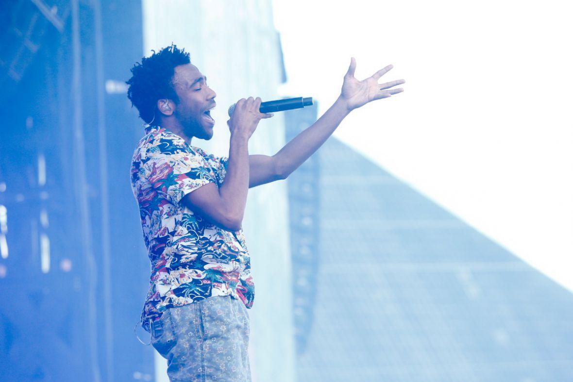 Childish Gambino opublikował dwa nowe utwory. Raper prezentuje hity na lato