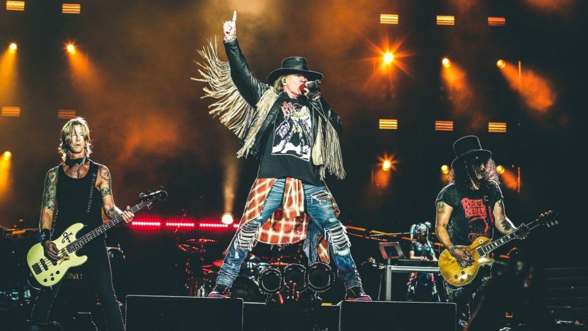 November Rain bije rekordy na YouTubie. Guns N' Roses nie mają powodów, by iść na emeryturę
