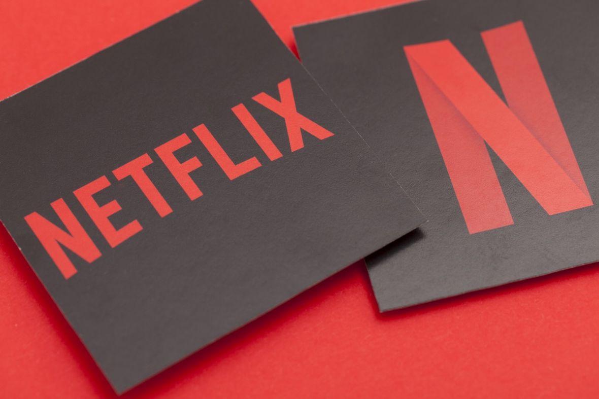 Netflix jest niepokonany. Nie dość że skutecznie wygrywa z torrentami, to jeszcze zarabia na DVD