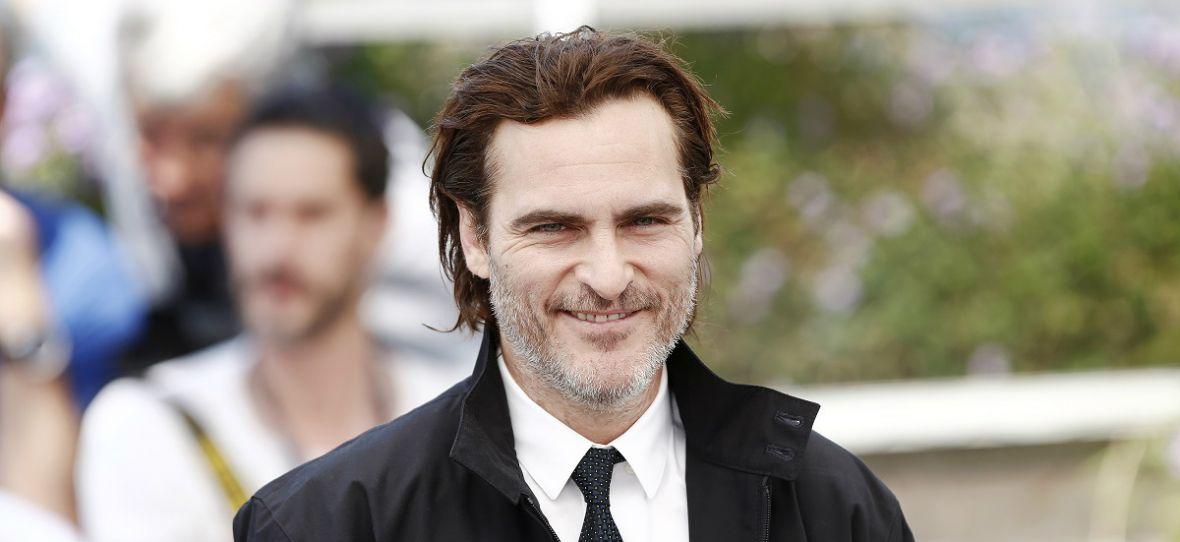 Joaquin Phoenix podburza tłum. Nowe zdjęcia z planu filmu Joker
