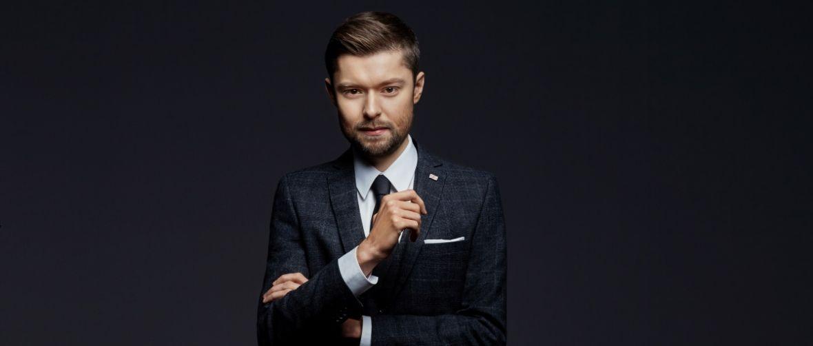 TVN i Remigiusz Mróz łączą siły. Ruszyły zdjęcia do serialu z Chyłką