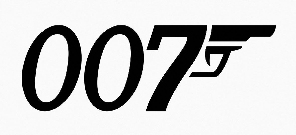 Bond to mężczyzna. Producentka filmów dementuje plotki o zmianie płci bohatera